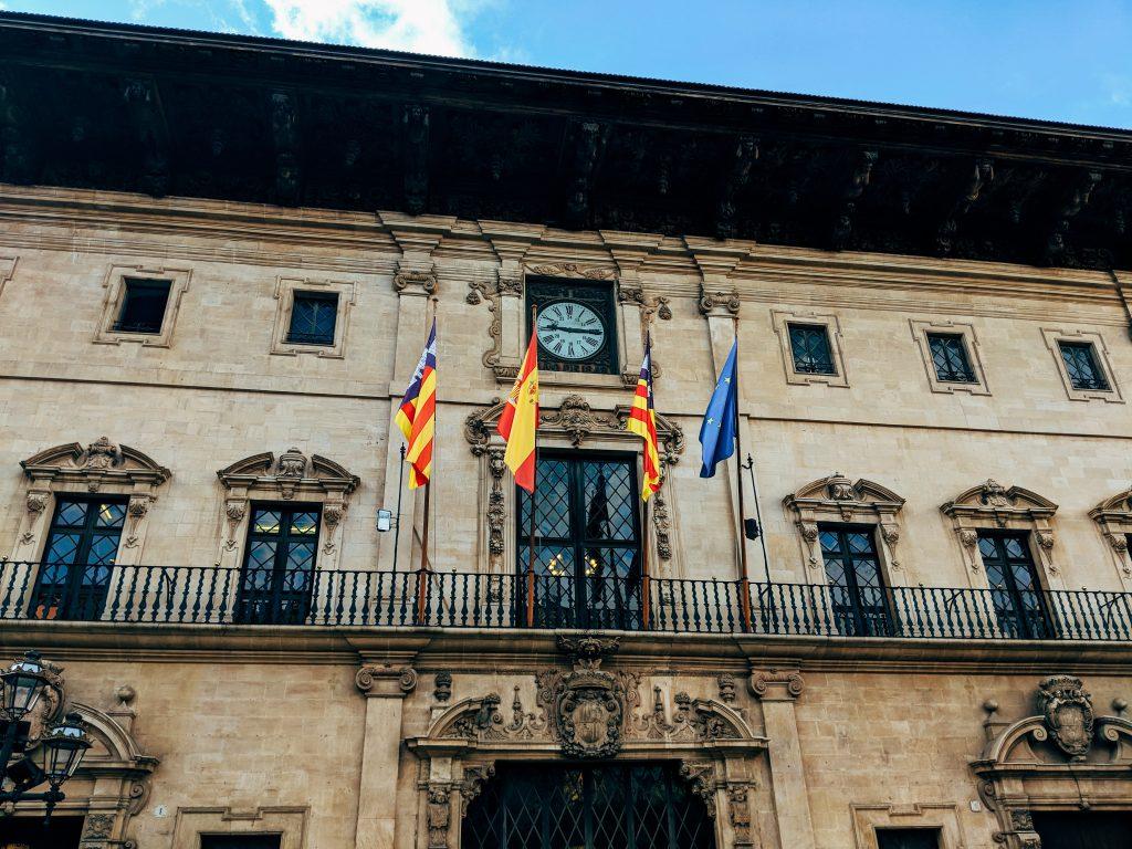 Spain flag quantum